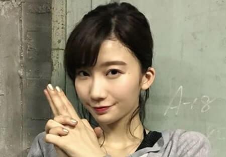 印を結ぶモデル・泉里香