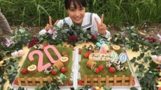 バースデーケーキをもらう女優・広瀬すず