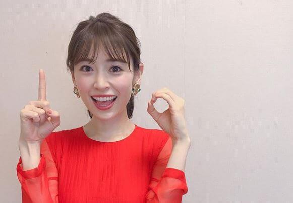 赤い服のモデル・泉里香