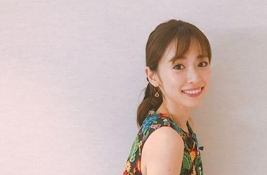 ワンピース姿のモデル・泉里香