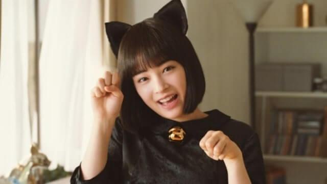 猫耳をつける女優・広瀬すず