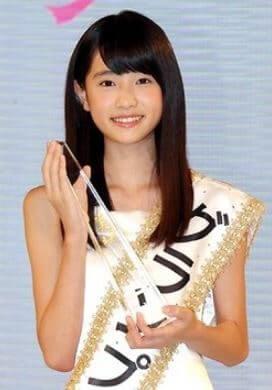 『全日本国民的美少女コンテスト』のグランプリを受賞するモデル・高橋ひかる