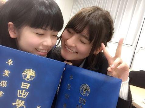 高校の卒業式の女優・小芝風花