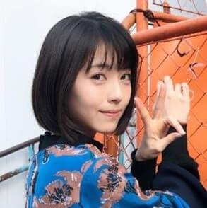 ピースをつくる女優・浜辺美波