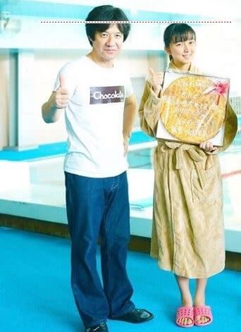 芸人の『内村光良』と女優の『上白石萌歌』