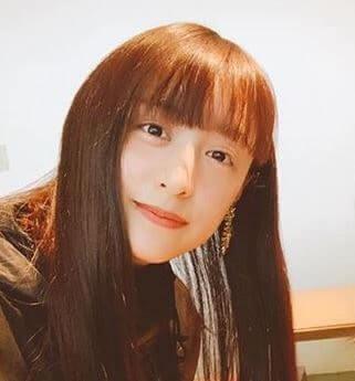 黒髪ロングヘアーのモデル・山本美月
