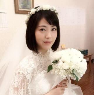ウェディングドレス姿の女優・浜辺美波