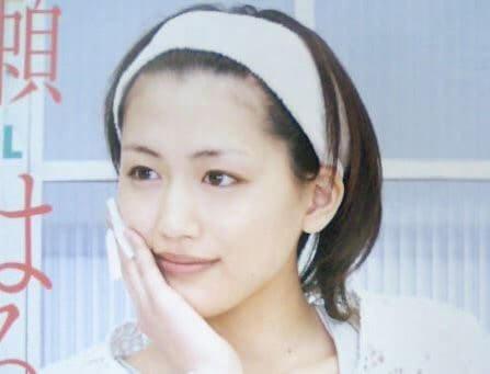 洗顔中の女優・綾瀬はるか