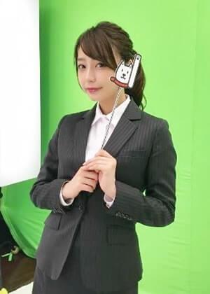スーツ姿のアナウンサー・宇垣美里
