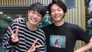笑顔の2人の男性